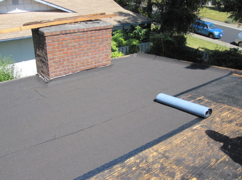 How to begin the installation of the roll roofing